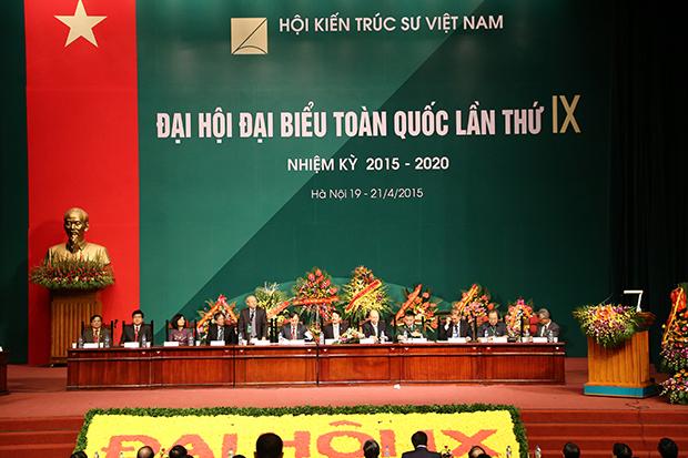 Đoàn chủ tịch điều khiển chương trình Đại hội