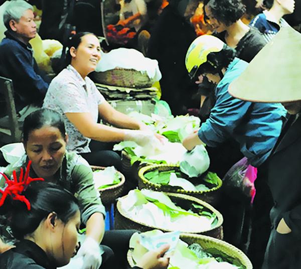 Chợ dân sinh ở Hà Nội