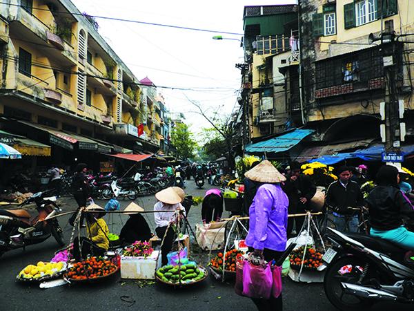 Công tác quản lý duy trì và đảm bảo Môi trường chợ tại thành phố Hà Nội