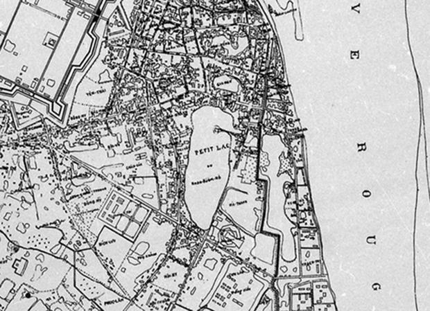 Bản đồ Hà Nội năm 1885 – trích đoạn quanh khu vực Hồ Gươm: Khu 36 phố phường, phía Đông và phía Nam Hồ Gươm vẫn là những hồ ao chi chít.