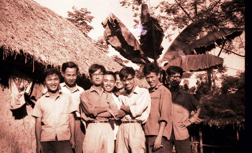 Lớp K64 thời gian sơ tán Lâm Thao Phú Thọ