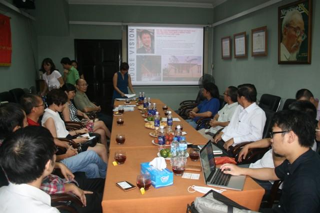 Hình ảnh buổi báo cáo thử nghiệm dự án Kế thừa và phát huy giá trị kiến trúc nhà ở nông thôn truyền thống Việt Nam