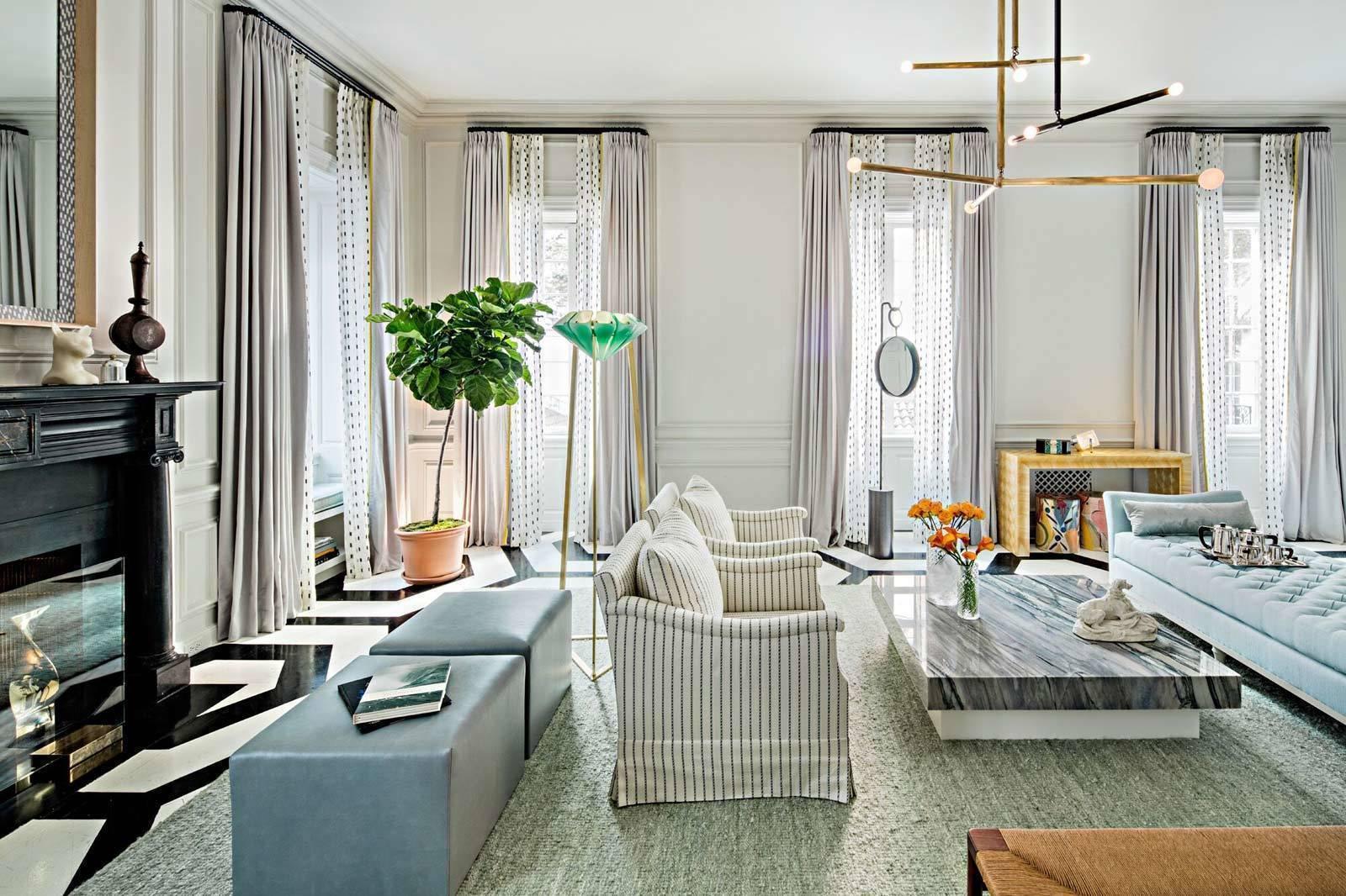 Thiết kế phòng khách của Paris Foniro đẹp một cách thanh tao và nhẹ nhàng. Cùng với đó, một loạt các đồ vật trang trí thủ công được nhập từ khắp nơi trên thế giới đã tạo nên sự phong phú và nổi bật về nội thất cho căn phòng