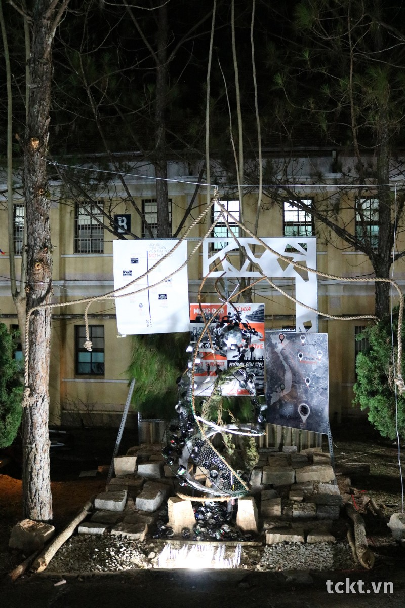 Trường ĐH Mở Hà Nội, Giải Ba Tái chế sắp đặt