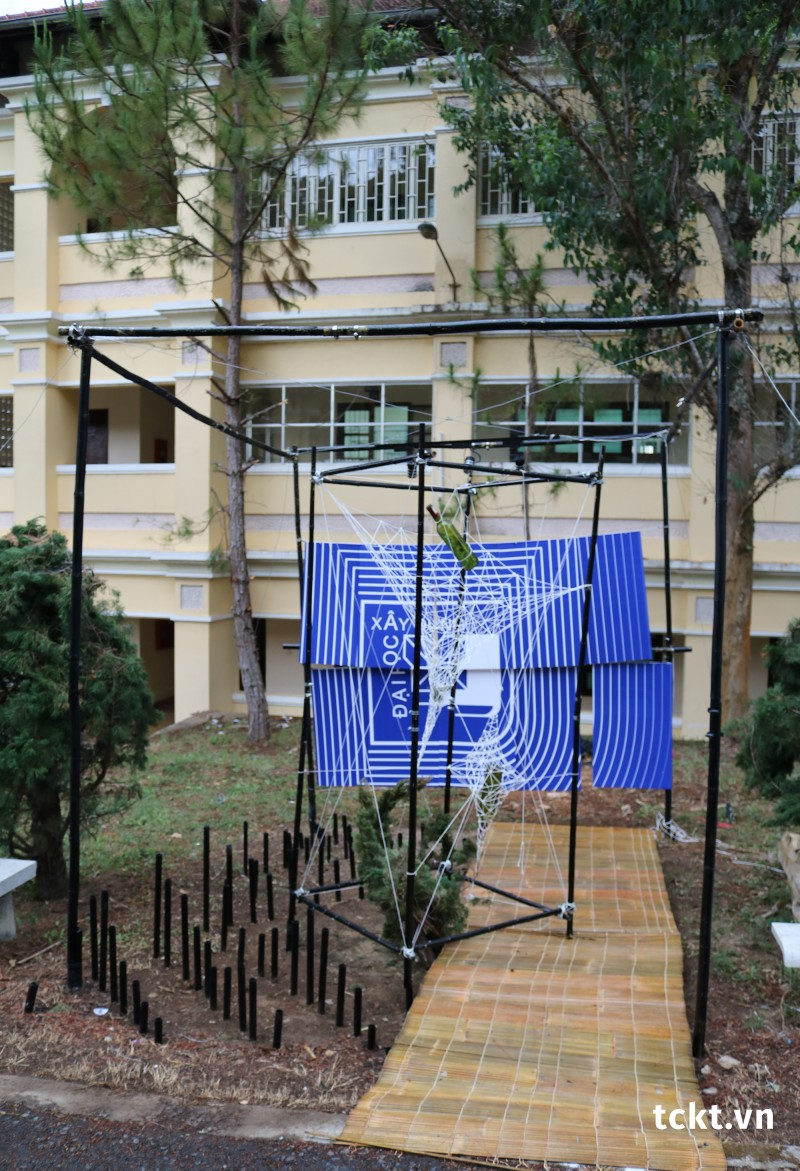 Trường ĐH Xây Dựng - Giải Ba Pano, Giải Nhất Tái chế - Sắp đặt