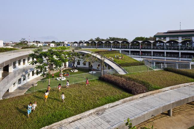 Trường mầm non được xây dựng dành cho các em là con của những công nhân làm việc tại Biên Hòa. Bởi vậy, công trình ưu tiên được xây dựng và vận hành với chi phí thấp, tuy vậy vẫn cần phải đảm bảo an toàn và phù hợp với các bé.