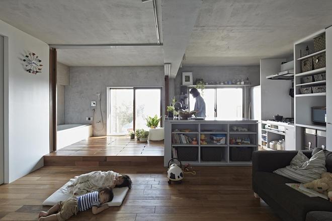 Ngôi nhà không có giường bởi gia đình quyết định chọn kiểu phòng ngủ truyền thống của người Nhật: nằm thảm trải trực tiếp trên sàn nhà