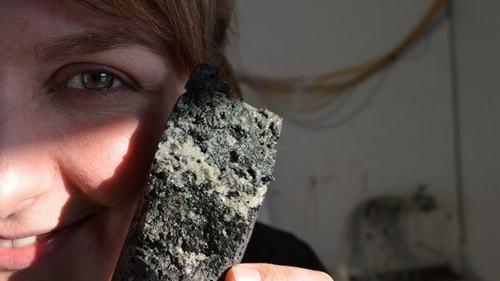 Thử nghiệm thành công việc biến khí thải CO2 thành đá