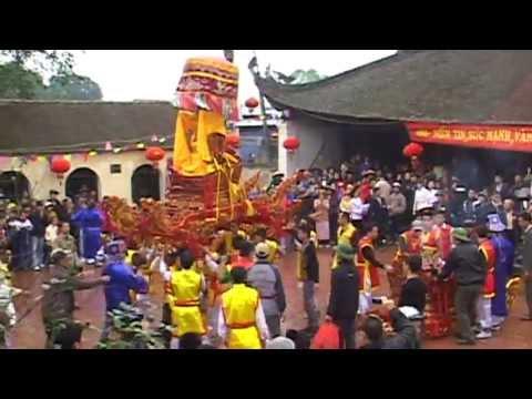 Hội làng Quảng Nguyên