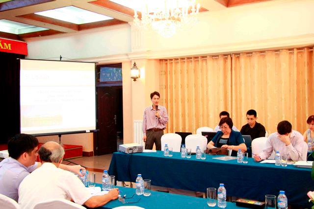 Đại diện WINROCK - ông Đặng Vũ Tùng trình bày tham luận tại Hội thảo