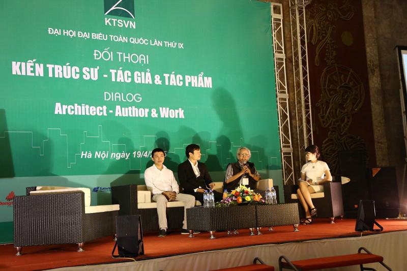 Từ trái qua phải: KTS Nguyễn Xuân Minh, KTS Võ Trọng Nghĩa, KTS Lê Hiệp tại Hội thảo