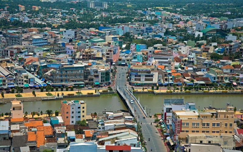 Toàn cảnh thành phố Tân An nhìn từ trên cao (Ảnh: Lâm Chiêu)