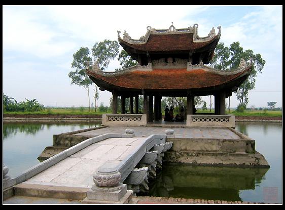 Thủy đình, Đền Đô, Bắc Ninh tương truyền được xây dựng trên dấu vết dòng Tiêu Tương ngày nay (Ảnh: nguồn internet).