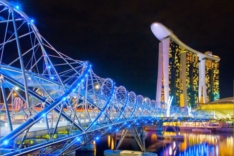 f9490-helix-bridge-and-marina-bay-sands-hotel-casino-singapore