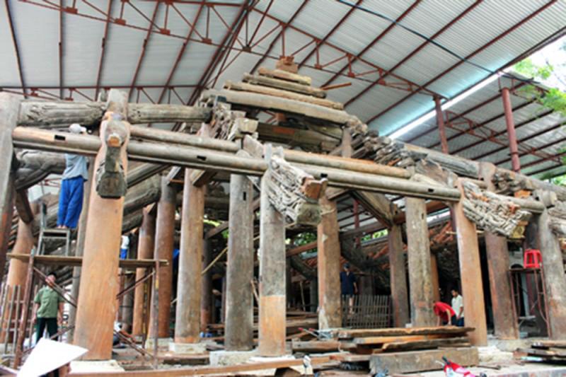 Đình Phong Cốc (di tích kiến trúc nghệ thuật cấp quốc gia) trong quá trình trùng tu.  Ảnh: Ngô Đình Dũng (CTV)