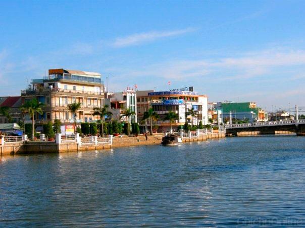 Đô thị TP Tân An bên bờ sông Bảo Định