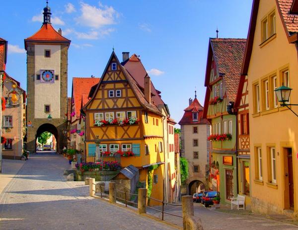 Làng Rothenburg tựa như một khung cảnh trong hoạt hình Disney.