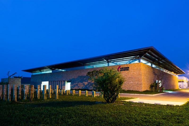 Nhà máy được đặt ở trung tâm một khu công nghiệp mới tại Bình Dương