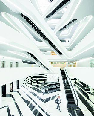 Hình 24: Ánh sáng nội thất bảo tàng Guggenheim Hermitage Vilnius, Lithuania.