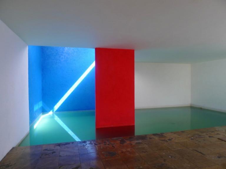 Vai trò của màu sắc trong kiến trúc: Hiệu ứng hình ảnh và kích thích tâm lý 18B11008 TCKT 01 1 768x576