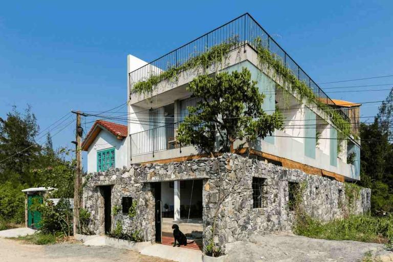 Vợ chồng Quảng Nam xây nhà gần như không có tường