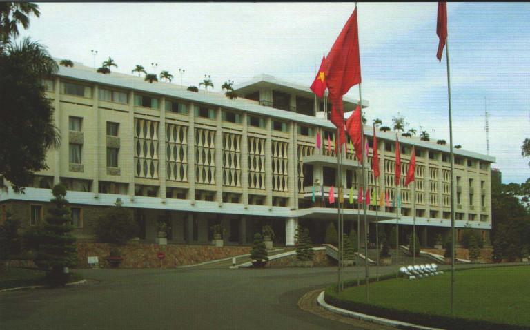 Hình 2. Dinh Độc lập – Hội trường thống Nhất hiện nay (1962-1966), KTS Ngô Viết Thụ thiết kế , được xây dựng trên nền của Dinh Norodom xưa