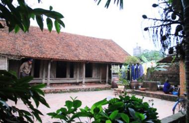 Hình 3. Nhà ở nông thôn truyền thống, làng Đường Lâm, Hà Nội [Internet]