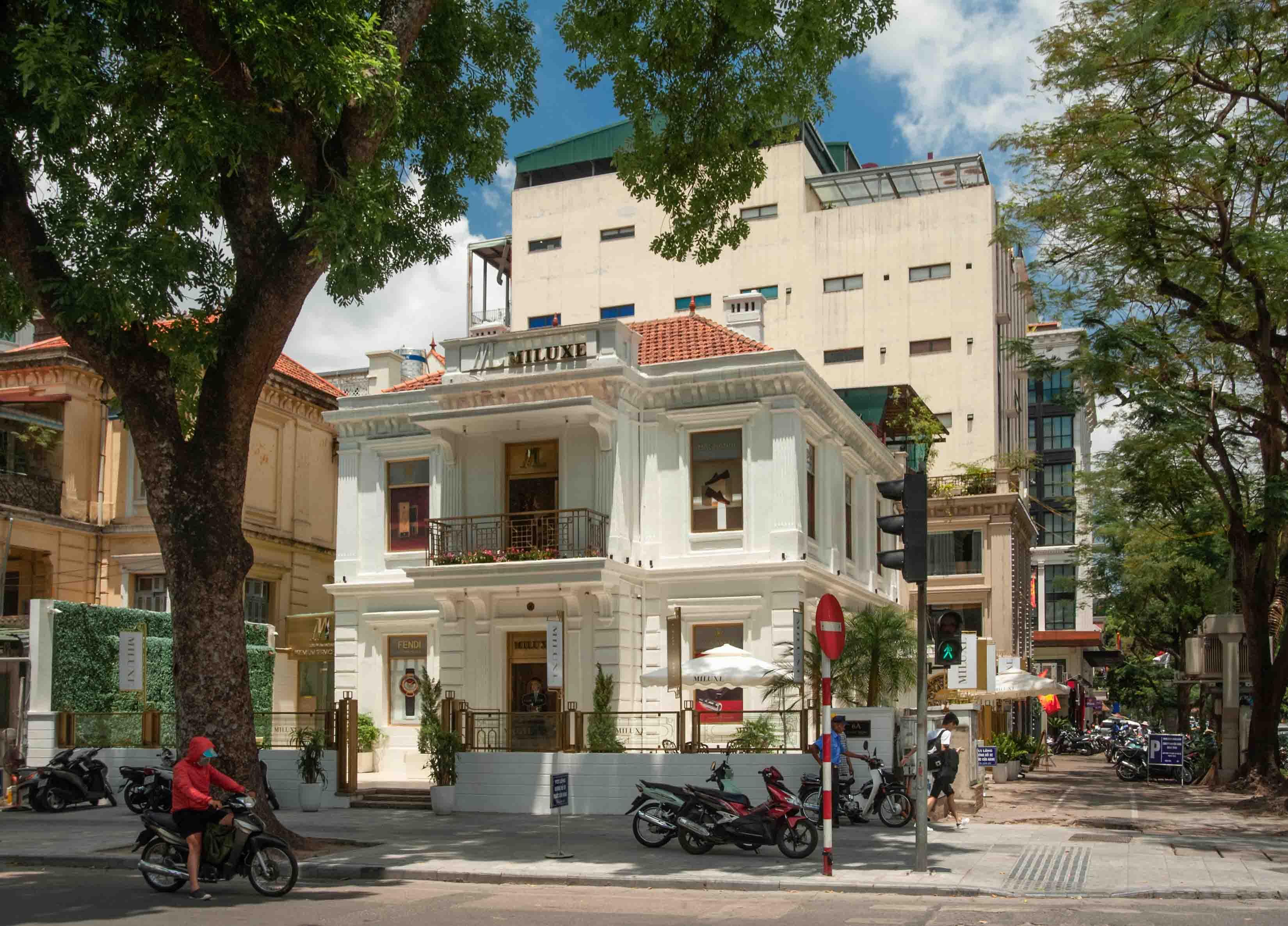 Hình 4a. Biệt thự ở Hà Nội theo phong cách cổ điển thuần túy - Biệt thự số 6B Quang trung (Ảnh: KTS Nguyễn Phú Đức)