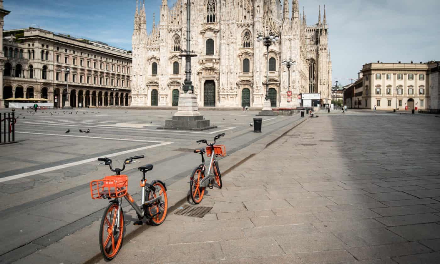 Kế hoạch Milan's Strade Aperte bao gồm các làn đường dành cho xe đạp tạm thời và giới hạn tốc độ 20 dặm / giờ; Ảnh của Stefano De Grandis / REX / Shutterstock