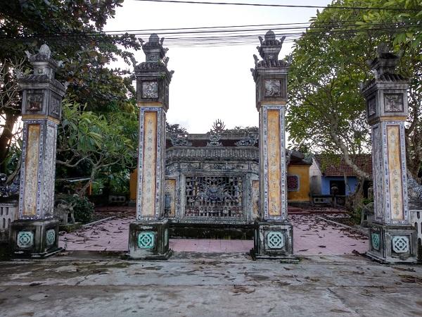Hình 5: Tứ trụ đình Phú Hòa, Huế (nguồn ảnh: tác giả)