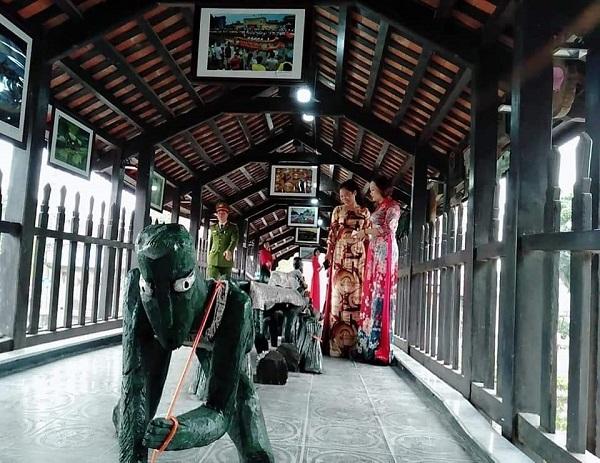 Tổ chức triển lãm nghệ thuật trên cầu ngói Phát Diệm