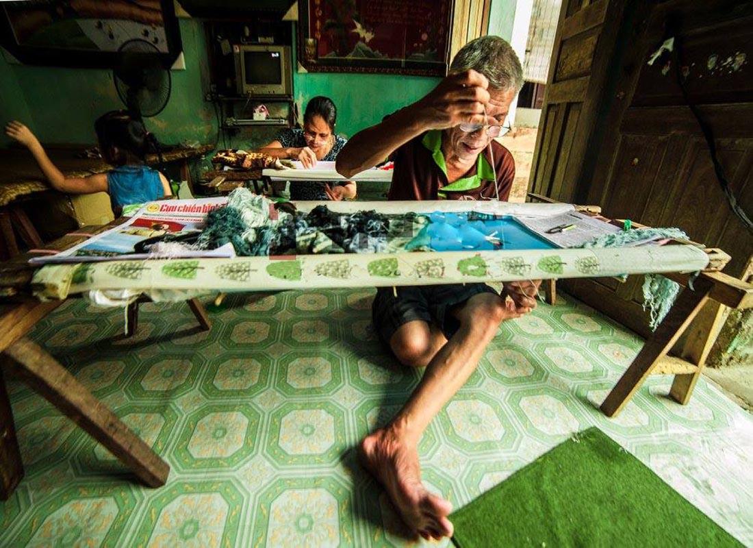 Làng nghề thêu tay truyền thống Quất Động
