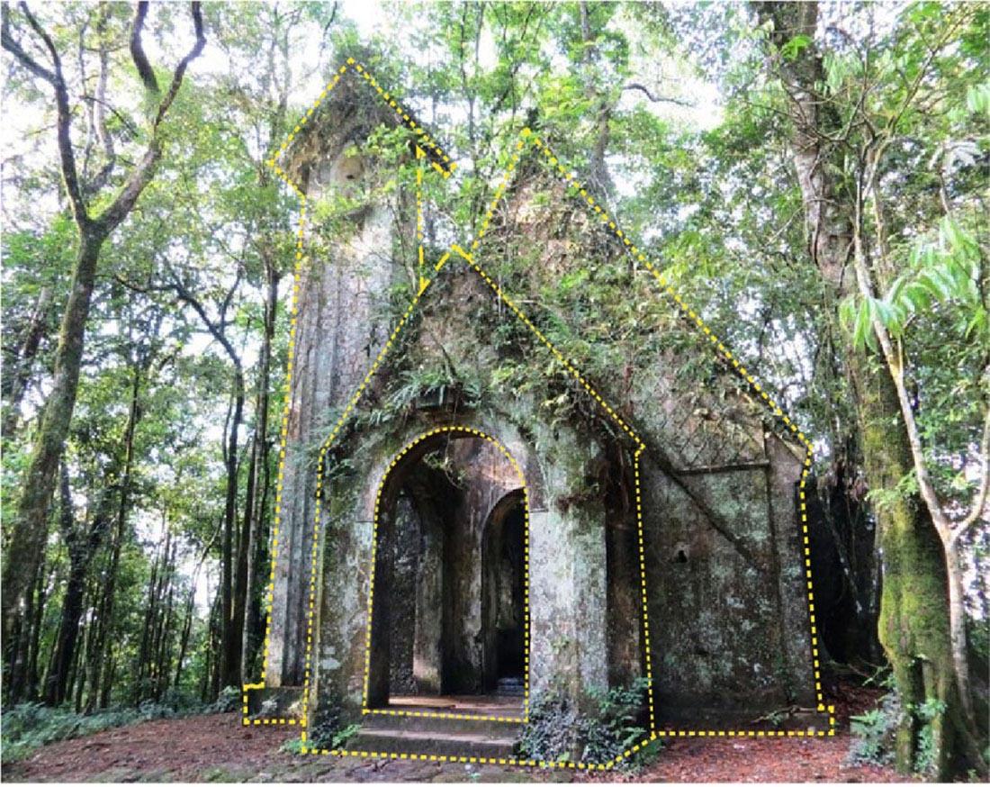 Hình 9. Nhà thờ đá trên cốt 800m