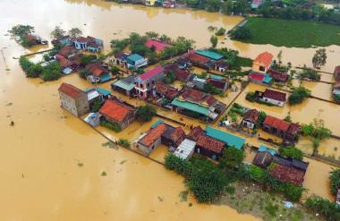Lũ lụt miền Trung xuất hiện dồn dập vào cuối năm 2020