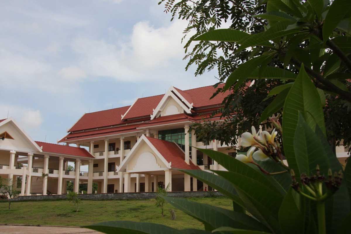 Trường Dự bị đại học và Phổ thông Năng khiếu - ĐHQG Vientiane Laos (2007)