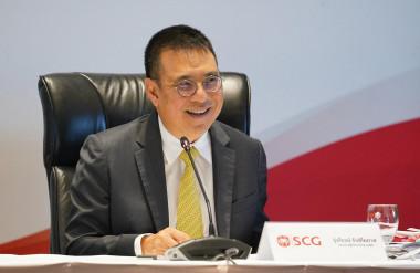 Ông Roongrote Rangsiyopash, Chủ tịch và Giám đốc điều hành của SCG, tại buổi họp báo công bố kết quả kinh doanh quý 4/2020.