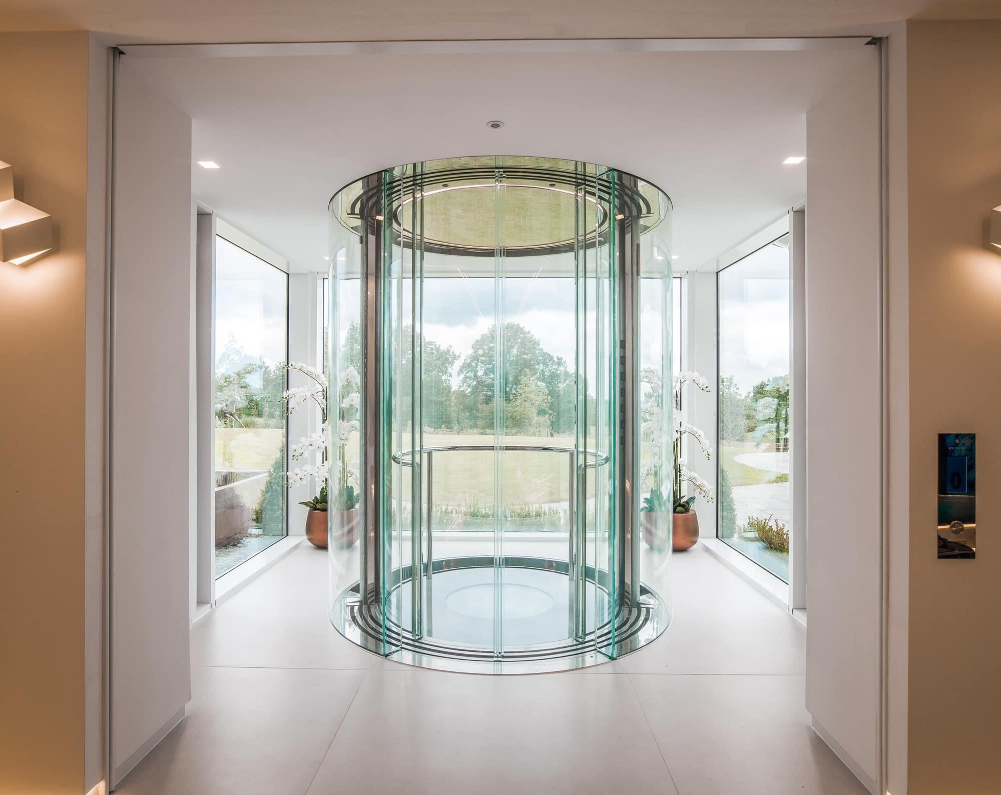 """Thang máy lồng kính đang là """"chất liệu kiến trúc"""" được ưa chuộng khắp thế giới"""