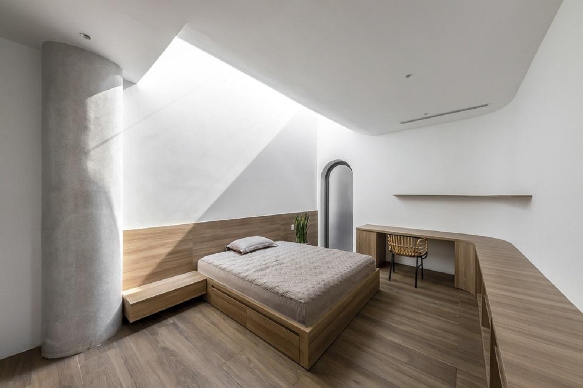 Phòng ngủ với thông tầng ngay trên đầu giường
