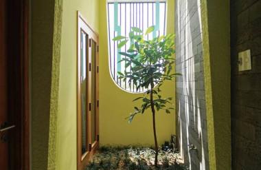 Các mảnh vườn được bố trí khắp nhà nhằm đem tới cảm giác thư giãn cho người ở.