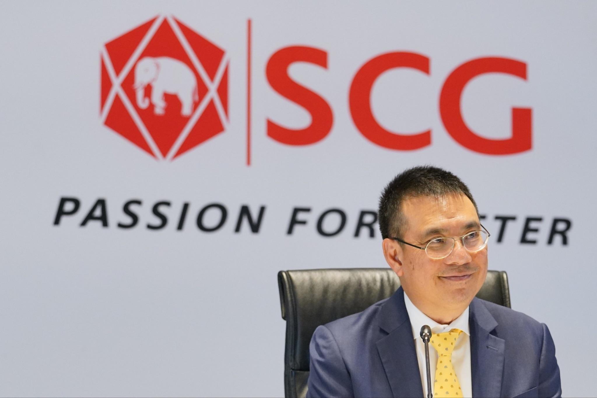 Ông Roongrote Rangsiyopash, Chủ tịch và Giám đốc điều hành của SCG, tại buổi họp báo công bố kết quả kinh doanh Quý 1/2021.