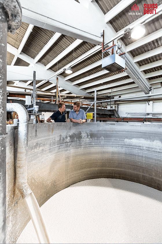 Cận cảnh một máy trộn chuyên dụng tại nhà máy của Swisspearl
