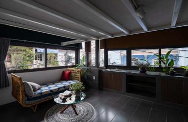 Gia chủ dành ba tầng dưới cho thuê, ba tầng trên để ở.