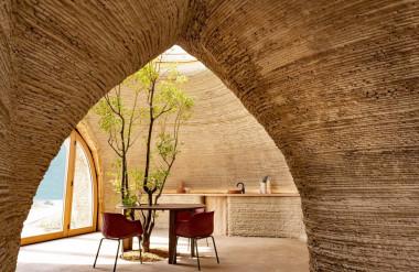 Nội thất tối giản và làm bằng các chất liệu có thể tái chế.