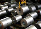 Nhu cầu tăng mạnh và lo ngại thiếu hụt nguồn cung đẩy giá thép thế giới tăng mạnh. Ảnh: Reuters.