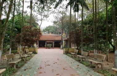 Cảnh quan khu vực đền (quán) Thượng thờ Phùng Hưng