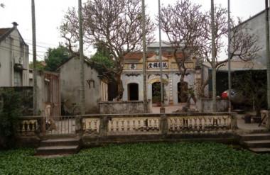 Khuôn viên nhà thờ họ Phạm thôn Tây Sơn