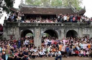 Hội làng Chuông mùng 10 tháng 3 Âm lịch (nguồn: internet)