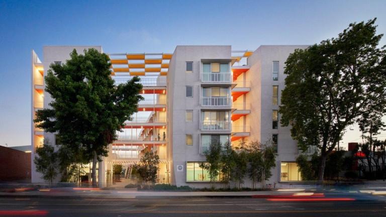 Khu nhà The Arroyo ở vừa túi tiền chất lượng cao với 64 căn hộ tại nội đô Santa Monica, Australia