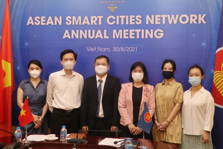 Đoàn đại biểu Việt Nam tham dự Hội nghị.