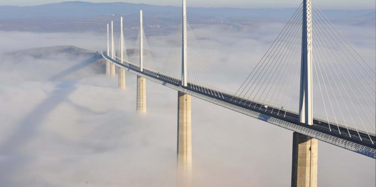 Cầu cạn Milau, Pháp do KTS N.Foster thiết kế